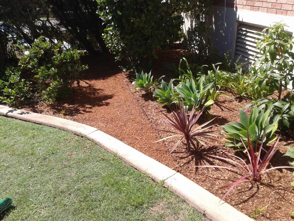 Pebble paving for beautiful gardens